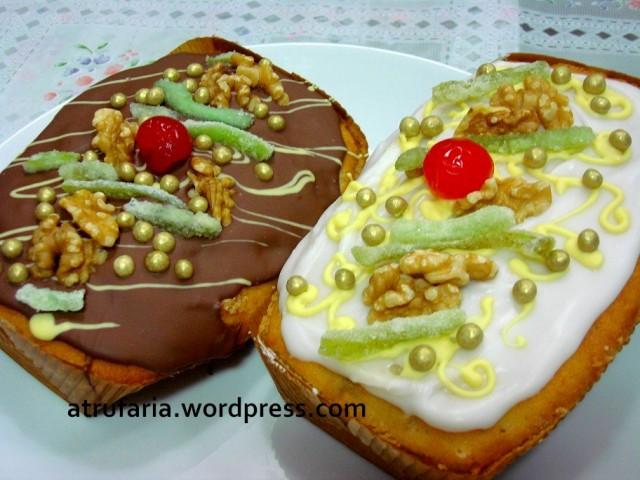 Bolo Inglês com Nozes e Limão Cristalizado - coberturas de Chocolate ao Leite  ou Fondant