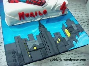 O tabuleiro faz parte do cenário da metrópole - todo em pasta americana