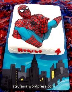 Cobertura e Homem Aranha em pasta americana