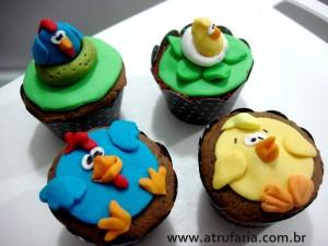 Mini cupcakes  - Massa de chocolate e recheio de brigadeiro gourmet