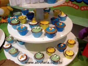 Mini cupcakes com personagens em pasta americana