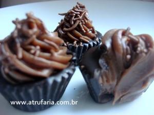 Brigadeiro Gourmet na Casquinha de Chocolate Black