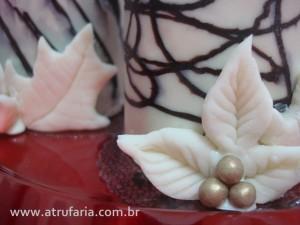 detalhes da decoração: azevinhos de falso Marzipan  ou Pasta de chocolate