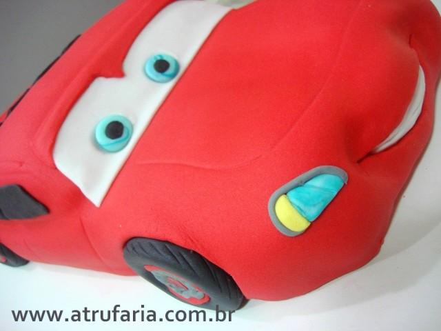 Carros - bolo esculpido