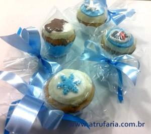 Mini cupcakes embalados para lembrancinhas